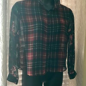 Sans Souci Red/Green plaid Top w/ flower sleeves